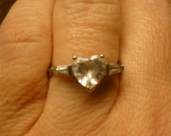Vintage 70s Silver 925 ring Heart shaped CZ  cubic zorconia SIze 8