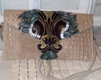 crocrodile skin, reall learther with reall learther handle, handbag.