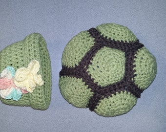 Newborn turtle shell and hat set