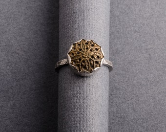 Vintage flower sterling silver button ring- size 7