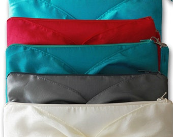 SET OF 7 KNOT Bridesmaids Clutches With Knotted Detail/ Personalization/ Silver Black Blue Purple And More