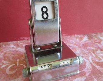 Little Vintage Perpetual Desk Calendar