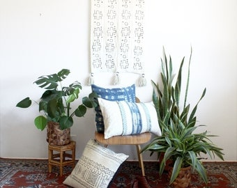 Small Mud Cloth Tapestry, White African Mudcloth Wall Hanging, Tapestries, Geometric Wallhanging, Tassel Throw Tapestry, Bohemian Home Decor