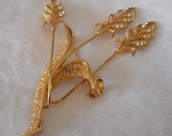 VINTAGE Rhinestone Gold Metal Flower Costume JEWELRY Brooch