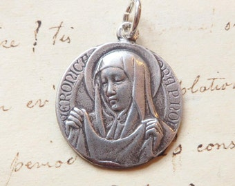 St Veronica / Holy Face of Jesus Medal - Patron of photographers - Antique Reproduction