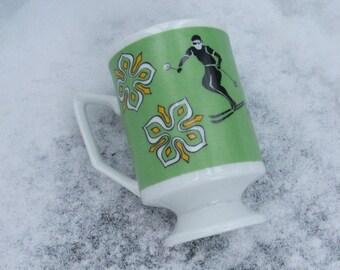 THINK SNOW Retro Pedestal Coffee Cup Mug Ski Snowflakes Theme