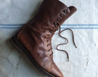 vintage ca. 1980s Joan & David distressed leather lace up boots w9.5 - 10 / 41