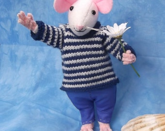 Felt Mouse With Handmade Clothes
