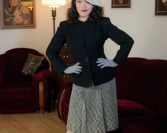 Vintage 1940s Jacket - Stylish Black Wool 40s Jacket with Deep Plunge, Pockets and Strong Shoulders