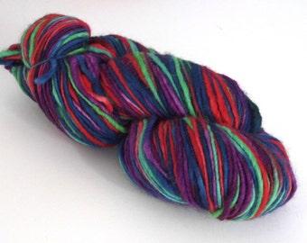 Hand dyed wool yarn. 250g Corriedale slub, thick 'n' thin. One of a kind wool yarn for knitting, crochet, felting, dreadlocks, dreading.