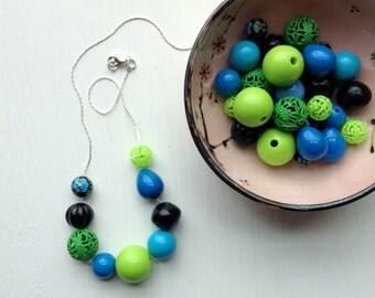rapaccini's garden necklace - vintage lucite