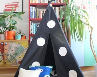 Teepee Tent | MIDI size | Black with Applique Spot