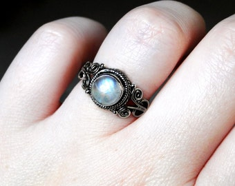 Rainbow Moonstone Ring, Moonstone Ring, Oxidized Sterling Silver, Size 6: Rainbow Glow from CircesHouse on Etsy