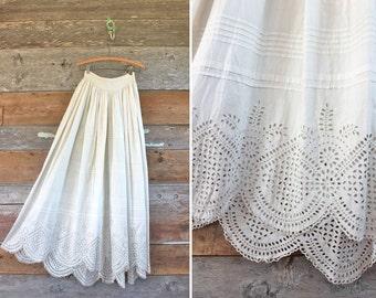Edwardian skirt / Edwardian lawn skirt / 1910s white cotton eyelet lace skirt / size xxs