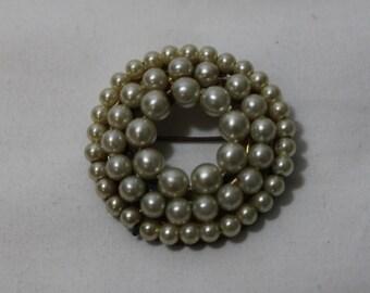 Vintage 1950s Faux Pearl Circle Brooch