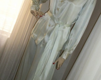 Vintage 1970s Pale Seafoam Green Satin Pantsuit 1930s Style Size S/M Stunning Glamorous Old Hollywood