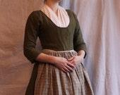Olive Linen Shortgown