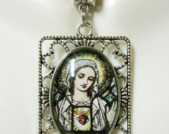 Immaculate heart of Mary pendant and chain - AP25-073