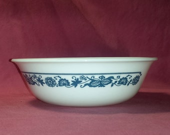 Corelle Livingware Old Town Blue Coupe Cereal Bowl / Vintage Corelle Old Town Blue Soup Bowl / MCM Blue Onion Bowl