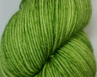 Devil's Snare colorway! Glad Rags 100% Superwash Merino, 100 grams, 438 yards, hand-dyed sockweight