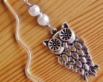Owl bookmark charm white pearl pearls dangle drop big chunky bold owl silver tone scholastic book lover accessory stylish elegant inteligent