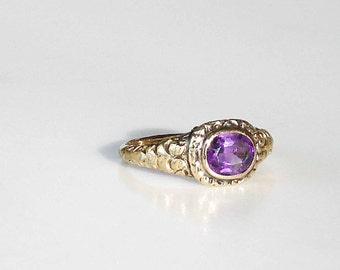 Antique Gold Ring ~ Amethyst Stone: Size 8.5