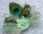 Small and Dainty Pale Mint Seafoam Green Peacock Feather & Pearl Vintage Mini Fascinator Hair Clip- Made to Order