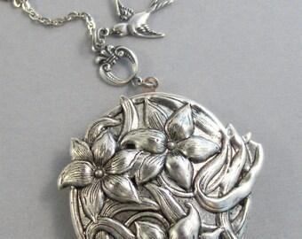 Gardenia,Gardenia Necklace,Gardenia Locket,Gardenia Pendant,Bird Necklace,Sparrow Necklace,Bird Locket,Silver Locket,valleygirldesigns.