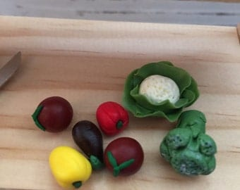 Miniature Vegetables, 7 piece set, Mini Veggies, Dollhouse Miniatures, 1:12 Scale, Dollhouse Food, Miniature Food, Pretend Food