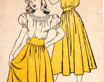 1940s Peasant Dress Pattern - Vintage New York 244 - Bust 31 Juniors