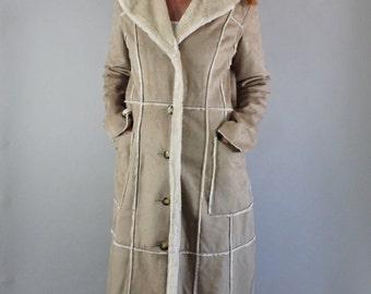 Vintage 90s Women's Long Light Brown Beige Faux Suede Sherpa Southwest Modern Prairie Western Maxi Full Length Fall Winter Coat