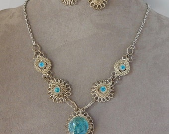 Vintage Curly Silver Wire & Blue Rhinestone Necklace and Earrings Set