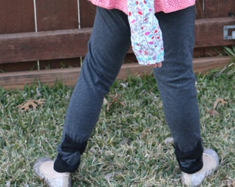 Dark gray leggings with black bow accents at ankle sizes 12m - 12 girls