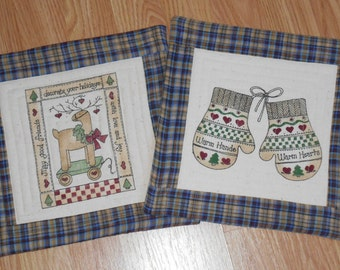 CHRISTMAS HOLIDAY HOMESPUN Set of 2 MugRugs SnackMats CandleMats approx 10 1/2 inches square worked in Plaid and Solid homespun and muslin