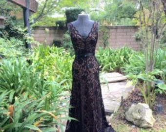 Long Elegant Black Lace Dress