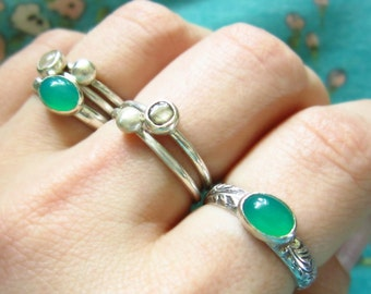 Sterling Silver Ring - Emerald Green Onyx Ring - Floral Ring Band - Hand Forged Ring - Gemstone Ring - Solitaire Ring - Linda McNair