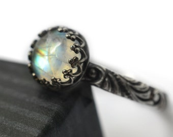 Rainbow Moonstone Ring, Oxidized Silver Ring, Baroque Style Jewelry, Natural White Labradorite Gemstone Ring, Women's Gothic Stone Jewelry