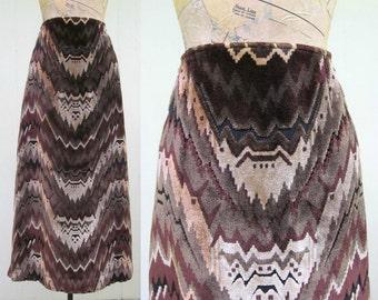 Vintage 1970s Skirt / 70s Boho Velvet Tapestry Skirt / Medium