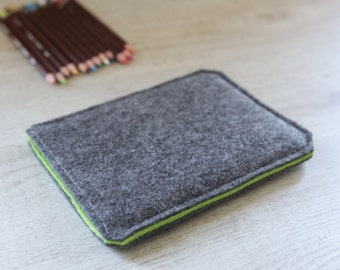 Kindle Fire, Kindle Voyage, Kindle Paperwhite case cover sleeve handmade dark felt and green
