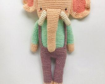 Marlon, the fancy elephant