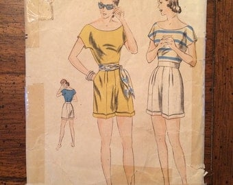 6279 1940's Shorts Set Vintage Sewing Pattern Vogue 6279 Bust 32
