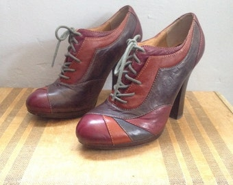 "Beautiful Burgundy, Blue, Grey and Caramel Toned Patch Work Lace Up Oxford 4"" Heels by Frye - Size US 8 UK 5"