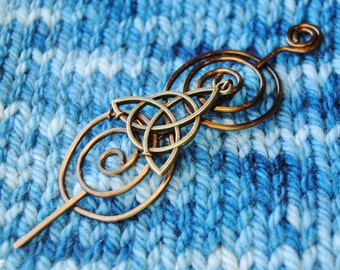 Celtic Knot Shawl Pin in Vintage Bronze Wire