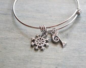 silver snowflake bangle, winder wedding bridesmaid gift, silver bangle, christmas gift, personalized bracelet, initial bangle, frozen snow
