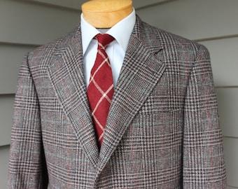 newer vintage 90's -Norman Hilton- Tweed sport coat. 3 / 2 roll sack front. Bold Glen plaid - Wool & Alpaca blend. Size 41 Long