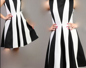Vintage Harlequin Rockabilly Pin Up Space Age Dress Black & White M L 60s
