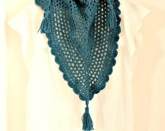 Triangle crochet scarf, Triagle Shawlette, Blue crochet scarf, Boho crochet scarf, Blue neck warmer, Petrol crochet shawl, Blue crochet cowl