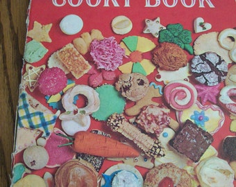 Vintage Cookie Cookbook Betty Crocker Circa 1960s First Edition 1963
