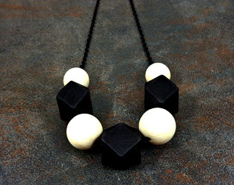 Wood Necklace, Black, White, Wooden Necklace, Big Necklace, Geometric Necklace, Big Bead Necklace, Chain Necklace, Geometric, Statement