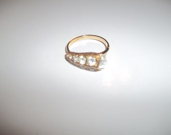 "Sarah Coventry 1975 ""COMET"" Ring With A Square Cut Rhinestone & Round Rhinestones For The Comets Tail"